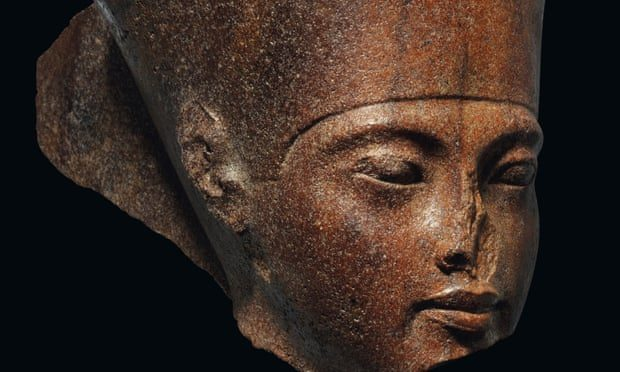 """Egypt Wants To Stop The Auction of """"Stolen"""" Tutankhamun Statue In London 